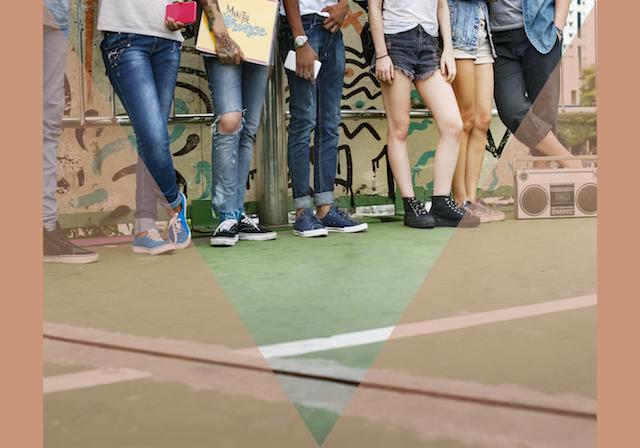 Jongeren in jeans
